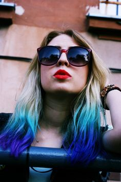 Awesome blonde to teal to indigo ombre