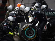 Formula 1 Mechanic