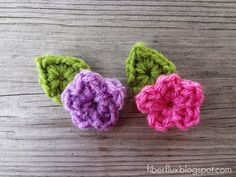 Adventures in Stitching: Free Crochet Pattern. One Round Leaf (Stemless) -- time to start floral headbands for the flower girls :) Crochet Bouquet, Crochet Bows, Crochet Flower Patterns, Crochet Motif, Diy Crochet, Crochet Crafts, Crochet Doilies, Yarn Crafts, Crochet Flowers
