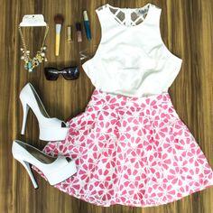 Outfit monday   me encanta!!!! Falda: 0720082 Blusa: 0720280 Collar: 0722002 Zapato: 0721008  Perfecto para iniciar la semana  #fresco #trendy #summer #shop #love #flores #TFLers #tweegram #photooftheday #amazing #smile #bestoftheday #style #swag