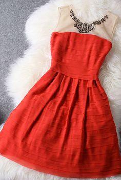 Holiday Party Dress (sooooooooooooooooooo many pretty dresses on this site! BOOKMARK!!!)