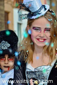 Sitges Carnival 2014 http://www.visitsitges.com/en/fiestas-y-tradiciones/31-carnaval-de-sitges