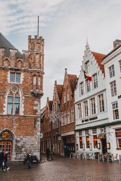 More Than 73 What To Do In Bruges Belgium Chelseadinen Com qué hacer en brujas bélgica chelseadinen com was tun in brügge belgien chelseadinen com cosa fare a bruges belgio chelseadinen com Cool Places To Visit, Places To Travel, Travel Destinations, Places To Go, Chelsea, Voyage Europe, Countries To Visit, Cities In Europe, Destination Voyage