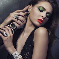 Elbise/lace gown: lanvin Yüzük/ring: cartier panthere Bileklikler/ bracelets: hermes & bulguari diva  #fashionmagazine #jewelry #jewellery #jewellerymagazine #hermes #joia #diamondring #schmuck #lanvin #bileklik #mücevher #takı #مجوهرات #pırlanta #Ювелирныеизделия #ring #bracelet #jewelrygram #bling #cartier #fashion #yüzük #серебро #جواهر #diamond #instajewelry #ジュエリー #الماس# طلا# جواهر