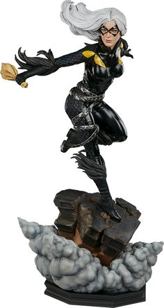 Black Cat Premium Format™ Figure