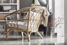 Nu har Ikea släppt sin nya kollektion Stockholm som består av 47 produkter med fokus på tidlös design i naturliga material.