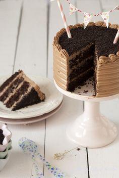 En casa estamos en plena OPERACIÓN CATA para elegir el sabor de la tarta de mi cumpleaños. Así, de paso que intento engordar a mi fam...
