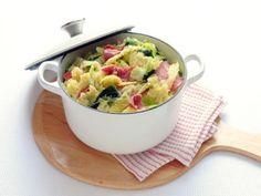 Stamppot met groene kool en salami Potato Salad, Curry, Potatoes, Ethnic Recipes, Om, Curries, Potato
