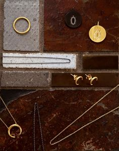 Tiles #Hvisk #HviskStylist #Jewellery #Retro #Retrovibes #Wood #Stone #Rhodium #Gold #Diamonds #Pendant