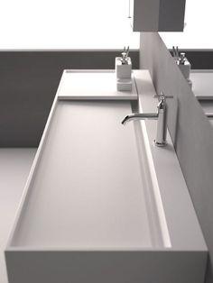Agape Design | Il paesaggio nascosto | White | Minimal Modern Bathroom | Bath Essentials | Contemporary Design | Add an organic bamboo toothbrush | nakedtoothbrush.com | #inspiration #nakedbath