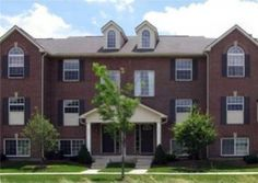Blue Heron Pointe is a fantastic condominium complex located just outside Ann Arbor proper, in beautiful Pittsfield Township.