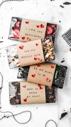 These homemade chocolate bars are the perfect homemade valentine's day gift! Complete with a variety of options, funny puns, and homemade wrappings, these are the cutest DIY chocolate bars for someone you love! Handmade Valentine Gifts, Valentines Gift Box, Valentine Gifts For Husband, Homemade Valentines, Handmade Gifts For Husband, Valentines Puns, Homemade Chocolate Bars, Chocolate Gifts, Panettone