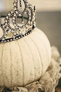 Princess pumpkin with tiara crown. Halloween Pumpkins, Halloween Crafts, Halloween Decorations, Fall Decorations, Halloween Ideas, Fall Crafts, Halloween Party, Wedding Decorations, Holidays Halloween