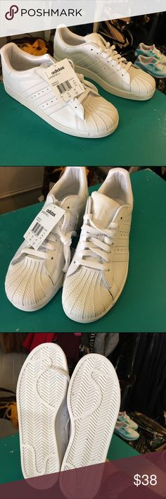 timeless design a4293 6b929 NEW WHITE ADIDAS SUPERSTAR MENS SNEAKERS SIZE 7 Boutique
