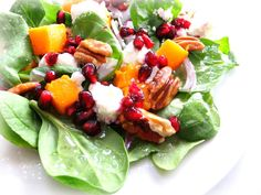 Roasted butternut squash salad with feta, toasted pecans, red onion, pomegranate on a bed of spinach tossed in white wine vinegar and olive oil. Feta Salad, Salad Bar, Soup And Salad, Cheese Salad, Fruit Salad, Spinach And Feta, Spinach Salad, Kale, Pomegranate Salad