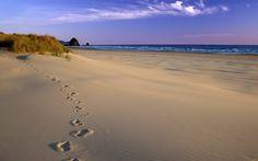 news Hot Threads - Langkah Awal Sederhana Namun Memiliki Makna Sejarah Strand Wallpaper, Beach Wallpaper, Beach Background, Cannon Beach, Life Is A Journey, Sand Art, Gulf Of Mexico, Oregon Coast, Writing