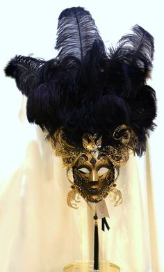 Murano glass artwork mask feathers black and gold