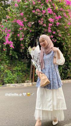 Modest Outfits Muslim, Modest Fashion Hijab, Casual Hijab Outfit, Muslim Fashion, Fashion Outfits, Korean Girl Fashion, Ulzzang Fashion, Hijab Style Dress, Hijab Fashion Inspiration