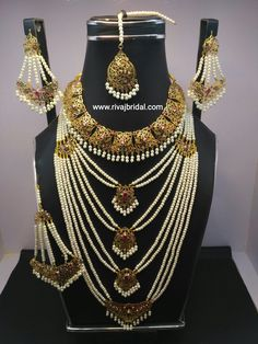 Gold plated high quality hyderabadi jewelry by using semi precious Stones with pearls beads. Indian Jewelry Sets, Indian Wedding Jewelry, Bridal Jewelry, Indian Bridal, Bridal Mehndi, Real Gold Jewelry, Womens Jewelry Rings, Hyderabadi Jewelry, Pearl Necklace Designs