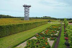Wieża widokowa i labirynt w Ogrodach Hortulus Spectabilis