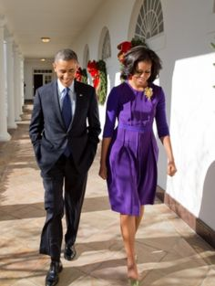 #44th #President Of The United States 🇺🇸 #BarackObama & #FirstLady Of The United States 🇺🇸 #MichelleObama walk along the Colonnade of the White House, Dec. 6, 2012.