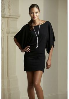 Can do lots with these dress. Love the sleeves!