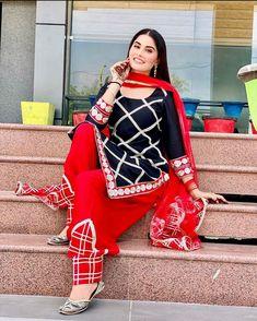 Indian Designer Suits, Designer Kurtis, Punjabi Suits Designer Boutique, Punjabi Salwar Suits, Punjabi Dress, Indian Salwar Kameez, Anarkali Suits, Salwar Designs, Patiala Suit Designs