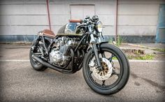 Suzuki GS850 Cafe Racer by Mr Swallow Customs - Photos by Syre #motorcycles #caferacer #motos | caferacerpasion.com