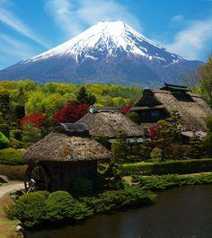 富士山と忍野村(山梨) Mount Fuji and Oshino village in Yamanashi, Japan Yamanashi, Shizuoka, Japan Places To Visit, Beautiful World, Beautiful Places, Places Around The World, Around The Worlds, Mount Fuji Japan, Fuji Mountain