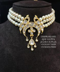 Presenting a New Design in Omprakash Jewellers and Pearls Signature Choker Collection!Big Size Top Quality Polki used with Neat Workmanship and Designing. 18k Gold Jewelry, Beaded Jewelry, Beaded Necklace, Indian Wedding Jewelry, Indian Jewelry, Kendall, Halo, Schmuck Design, Minimalist Jewelry