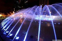 La nueva fuente de Plaza Venezuela es un espectáculo de luz, música color