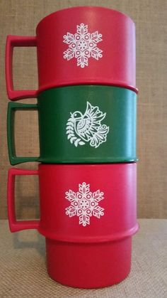 Set of 3 Vintage Tupperware Christmas Mugs Coffee Cups Cocoa Winter Red Green