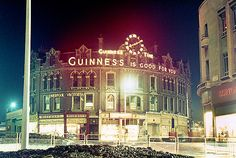 A new DVD produced by Plymouth historians has thrown light on the city's Old Town Street and its three malls. The Blitz destroyed much of Plymouth and left many of its wonderful buildings in. Devon Uk, The Blitz, Do You Remember, Guinness, Plymouth, Old Town, Big Ben, Mall, Art Ideas