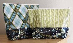 Free Bag Pattern and Tutorial - Vinyl Zip Pouch