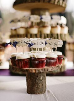 A friends wedding...so classy and lovely! I told her I am stealing these ideas for my fictional wedding!! Credit to mylifephotography for these gorgeous images!