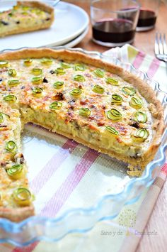 Zucchini and goat cheese pie - Platillos salados - Pastel Quiches, Vegetarian Recipes, Cooking Recipes, Healthy Recipes, Tapas, Comidas Light, My Favorite Food, Favorite Recipes, Appetizer Sandwiches