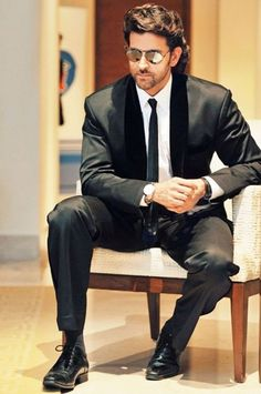 The Indian film actor Hrithik Roshan was born on 10 January, 1974 to Pinky Roshan and film director Rakesh Roshan. He started his acting career as a child actor and appeared in several films throug…