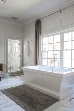 Great tub, marble tile laid on diagonal - Dana Benson Construction, Calabasas, CA. Bad Inspiration, Bathroom Inspiration, Bathroom Ideas, Bathroom Pics, Bathroom Inspo, Bathroom Faucets, Grey Bathrooms, Beautiful Bathrooms, Luxury Bathrooms