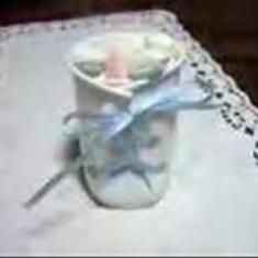 Dixie Cup Baby Booties for Mints  Use white plastic dixie cups, hole punch for eyelets & string ribbon.