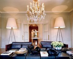 Fashion designer Elie Saab's opulent Paris home is an apartment located near the border of the eighth and arrondissements Paris Living Rooms, Living Spaces, Elie Saab, Chic Apartment Decor, Apartment Layout, Apartment Interior, Apartment Living, Apartment Therapy, Parisian Decor