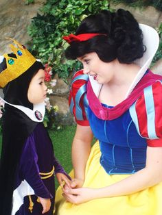 ingridmatthews:    I have to reblog this somehow. Snow White with a teeny, tiny, Evil Stepmother.