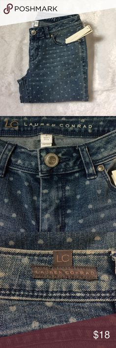 Lauren Conrad jeans NWT slim through seat, thigh and leg. Two-way stretch. 81% cotton 18% polyester 1% spandex. Inseam 28. Ask any questions and I will get back to you. Lauren Conrad Jeans Skinny