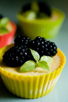 @KatieSheaDesign Likes--> ❀ #Cupcakes ❀ Lemon Pie Cupcakes with Blackberry Shortbread Crust