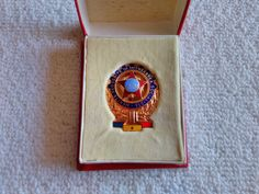 Vintage Romania/Romanian Outstanding Achievements Award Medal Pin Badge Military Surplus, Soviet Union, Pin Badges, Wood Watch, Romania, Ebay, Collection, Vintage, Wooden Clock