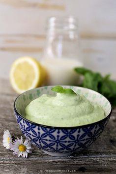 Maionese al basilico - la versione vegana di Mammachechef Hummus, Quick Recipes, Meat Recipes, Cooking Recipes, Mousse, Cooking For One, Cooking Time, Antipasto, Pesto