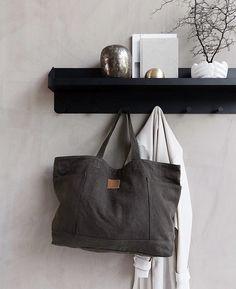 Shelf/rack by House Doctor.