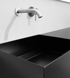Washbasins Moab80: material and colours