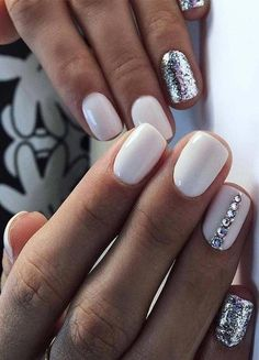 Best White Glitter Nail Designs for Ladies in 2019 Diy White Nails White Glitter Nails, White Acrylic Nails, White Nail Art, Glitter Nail Designs, White And Silver Nails, Black And White Nail Designs, Nail Pink, Orange Nail, Nail Nail