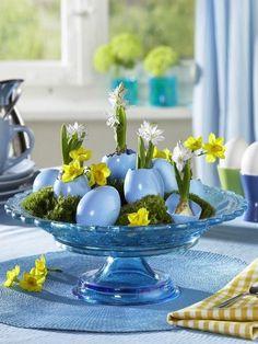 Easter egg table decoration with plants   Easter egg decorating ideas! http://vintagetearoses.com/top-10-creative-ideas-for-decorating-easter-eggs #easter #egg #art #table decor