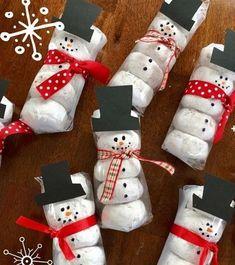 Easy Homemade Christmas Gifts, Diy Holiday Gifts, Christmas Gift Baskets, Christmas Gift Wrapping, Christmas Crafts For Kids, Best Christmas Gifts, Christmas Fun, Holiday Crafts, Christmas Decorations